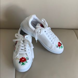 🌺Qupid Shoes White Embroidery Sneaker Shoes